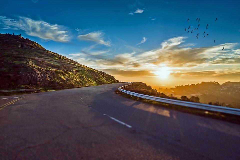 winding-road-1556177_960_720.jpg